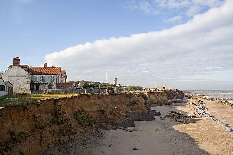 800px-Happisburgh_coastal_erosion