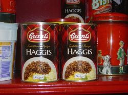 By Matt Ryall (originally posted to Flickr as Haggis in a can) [CC-BY-2.0 (http://creativecommons.org/licenses/by/2.0)], via Wikimedia Commons