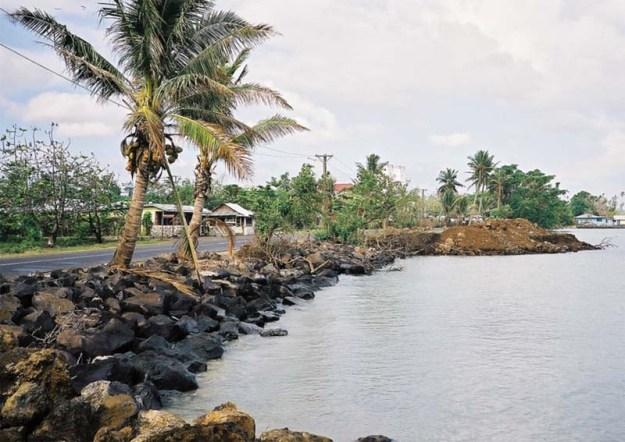 Eroding shoreline in Samoa, the Pacific (photograph: Ilan Kelman)