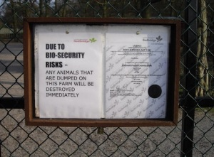 Bio-Security_Warning_Sign_-_geograph.org.uk_-_1213945