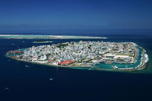 Malé, the congested capital of the Maldives. © 2014 Wikimedia Commons.