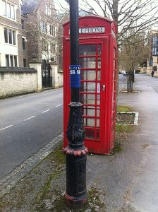 A Tardis added to a tree in Oxford Source: Wikimedia Commons