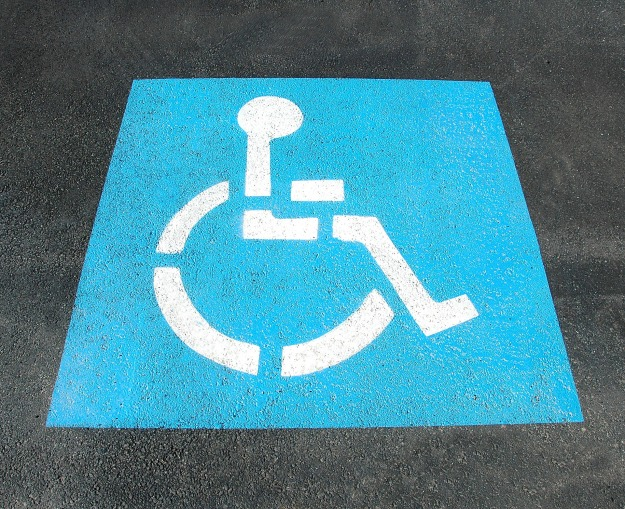 handicap-parking-2328893_1920.jpg